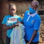 Kisumu, Kenia. Eine Partnerorganisation von Brot für die Welt verteilt Hilfsgüter an arme Familien, die durch die Covid-19 Maßnahmen kein Einkommen haben.