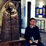 """Leonhard F. Seidl liest im Kriminalmuseum vor der """"Eisernen Jungfrau"""""""